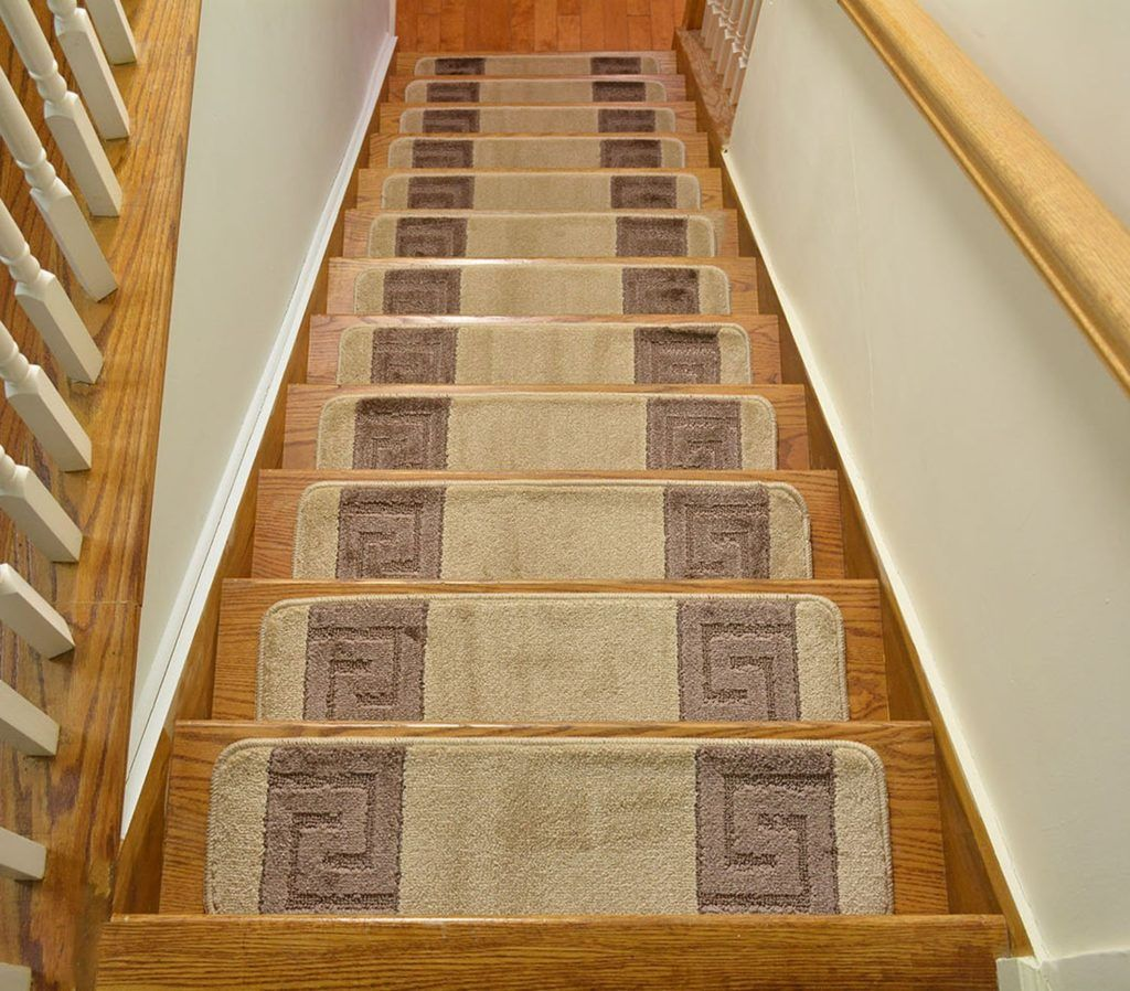 5 Cheap Non Slip Carpet Stair Treads For Under $100 #CheapStairTreads