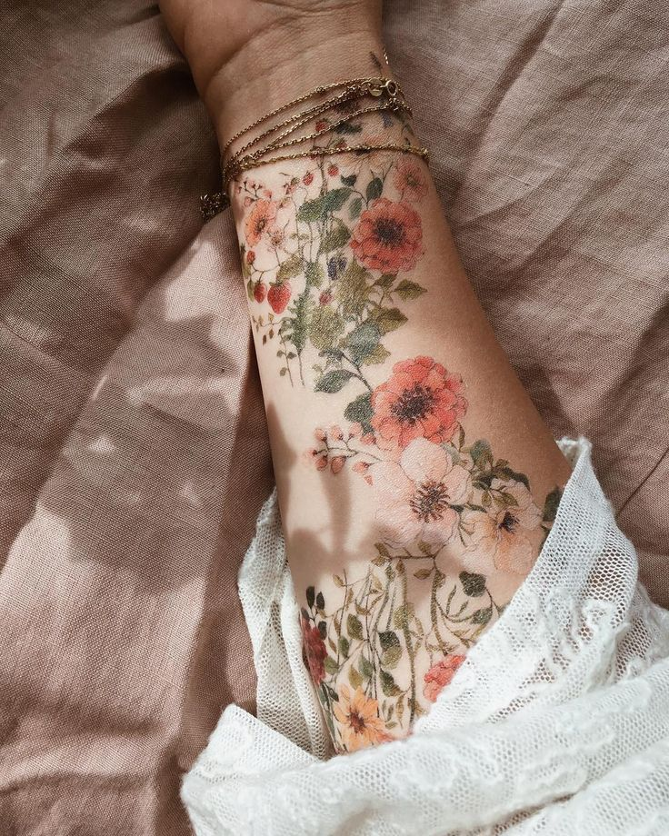 Photo of Flowers, flowers and more flowers t # Tattoo # Flowerstattoo # Wildflowers # Drawing # Paiting # Temporary Tattoos # Myartwork # Illustration # Art – Artist