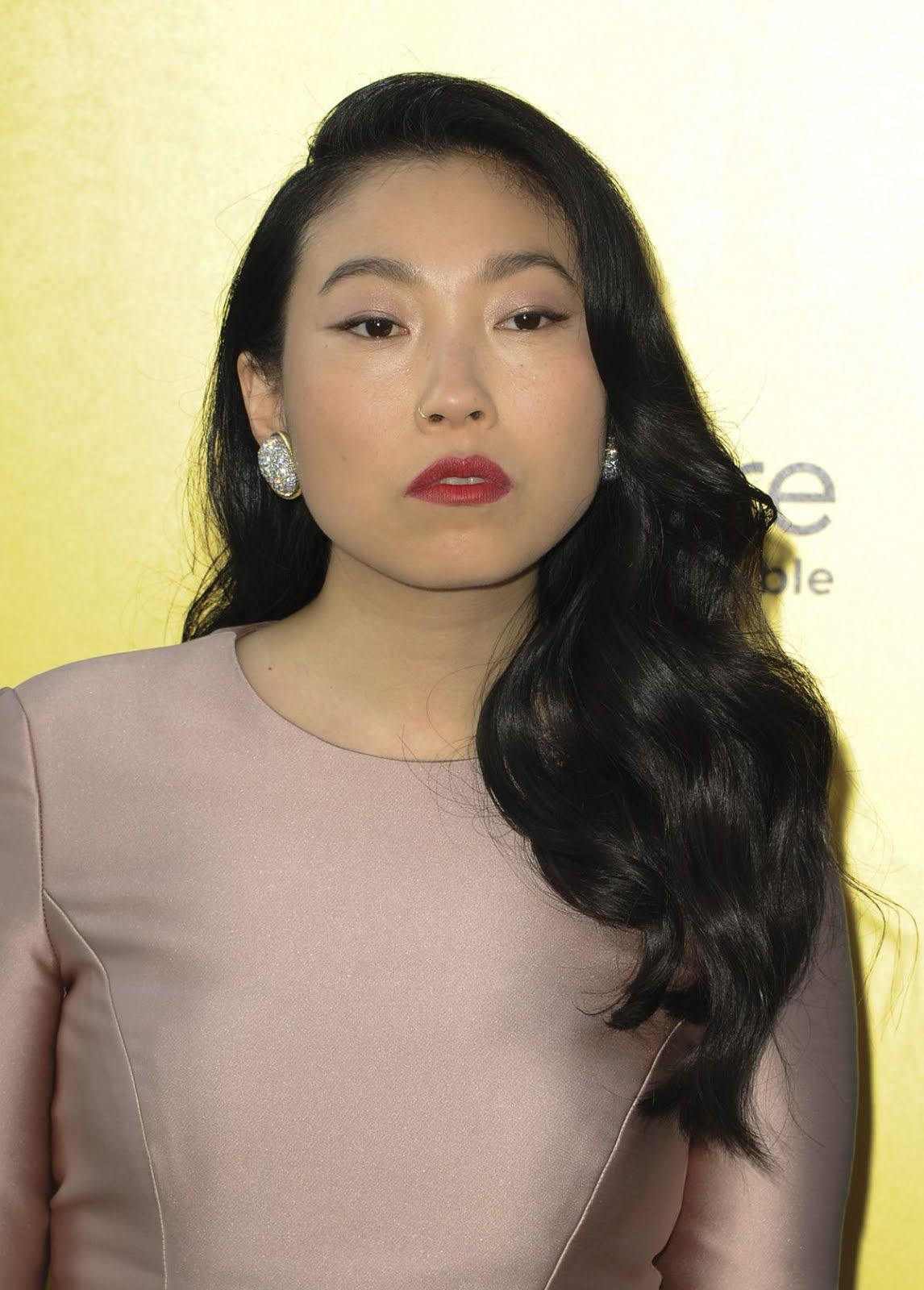 Awkwafina at crazy rich asians premiere in los angeles 2018 hd