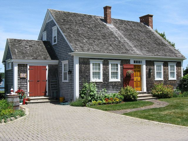 Best Mahone Bay Nova Scotia In 2020 Historic Homes Nova 400 x 300