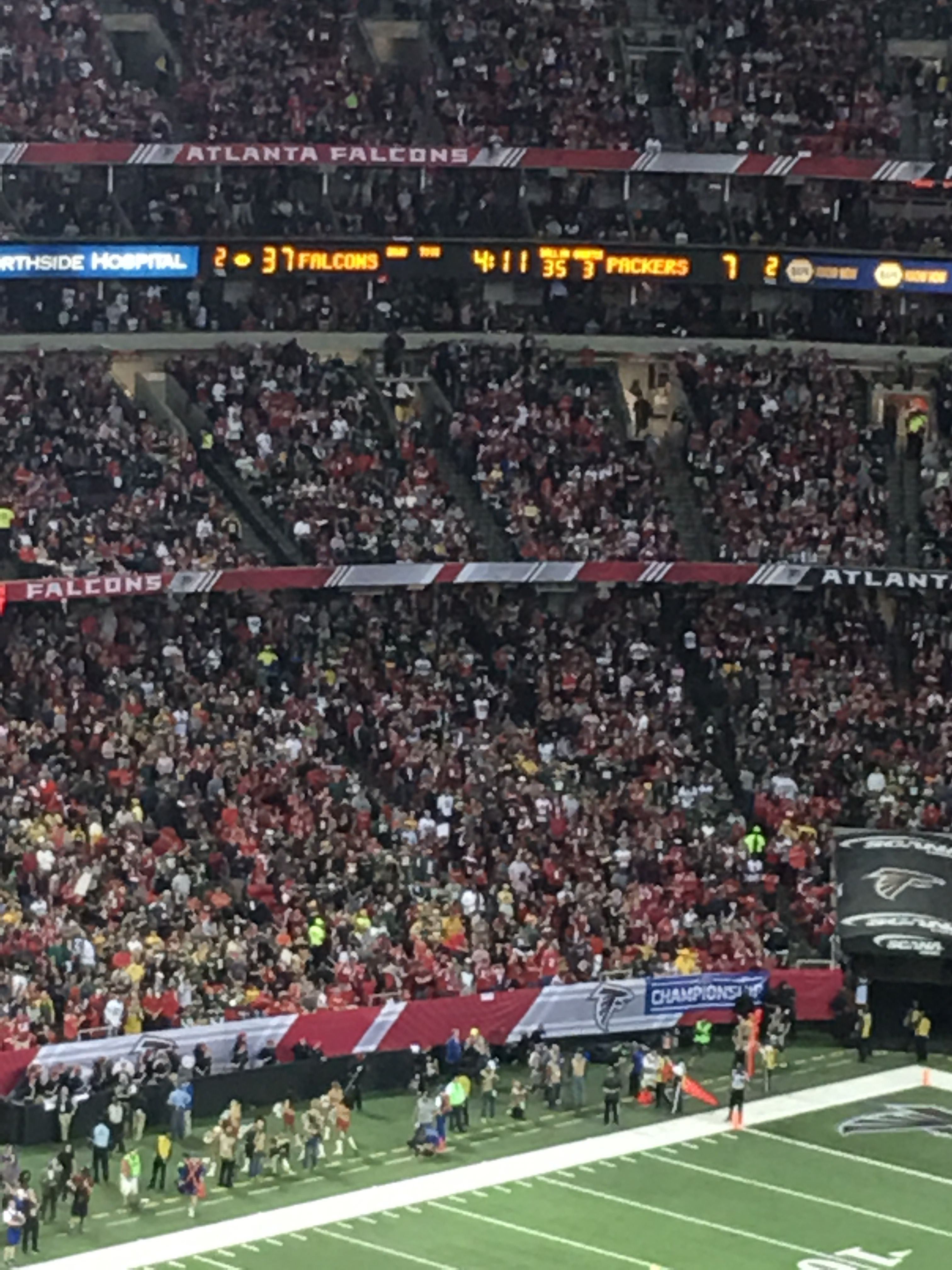 Atlanta Falcons Vs Green Bay Packers 2017 Nfc Championship Game Score Board Late In The Game Packers Fans Were Nfc Championship Game Georgia Dome Packers Fan