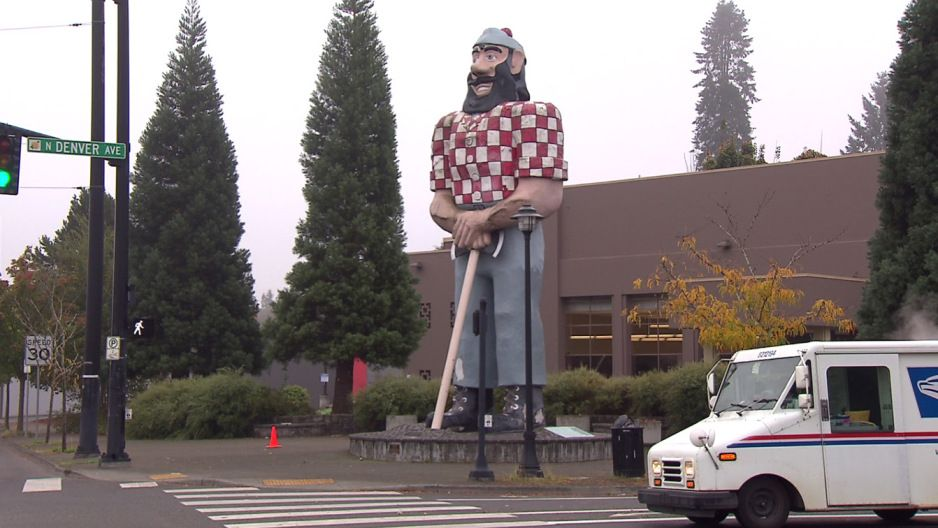 Paul Bunyan stands at the entrance of Portland's Kenton neighborhood at North Interstate and Denver. (KOIN)
