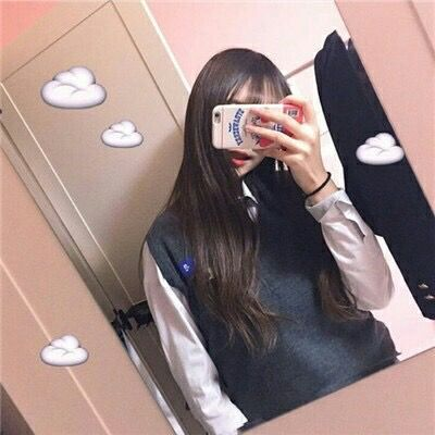 Pin By Icxrvo On K Korean Photo Korean Girl Photo Cute Korean Girl These faceless mirror selfie queens have some tips to take the best pics. pinterest