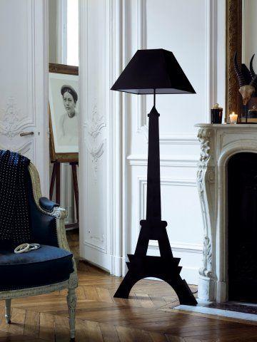 Une Lampe En Forme De Tour Eiffel Lampe Tour Eiffel Decoration Maison Parisienne Et Tour Eiffel