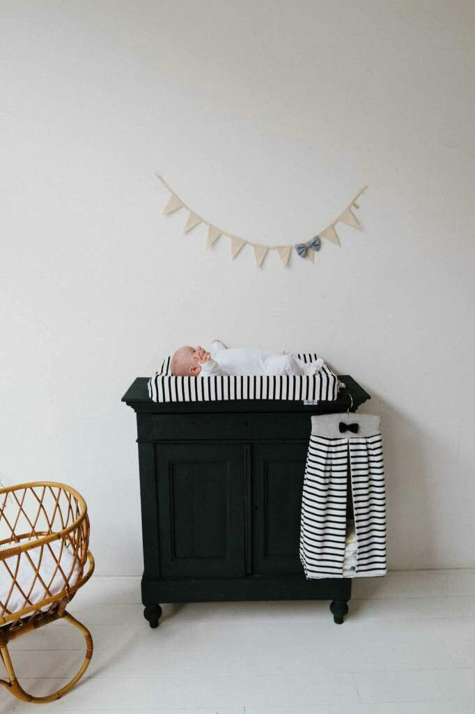 Commode Baby Kamer.Mat Zwarte Commode Babykamer Babykamer Zwart En Commode