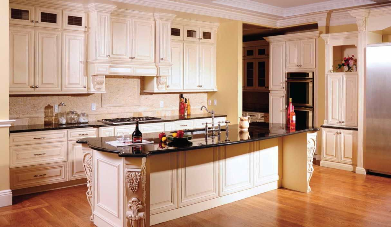 Maple Glazed Kitchen Cabinets