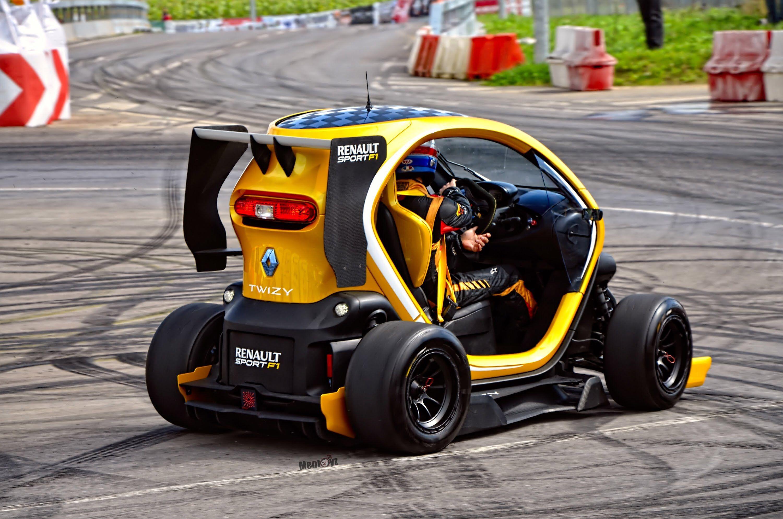 Renault Twizy En 2020 Concept Voiture Modele De Voiture Voiture Francaise