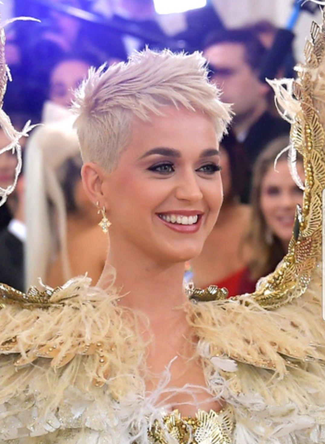 Katy Perry Kunden Frisuren Stylische Haare Kurzhaarfrisuren Und