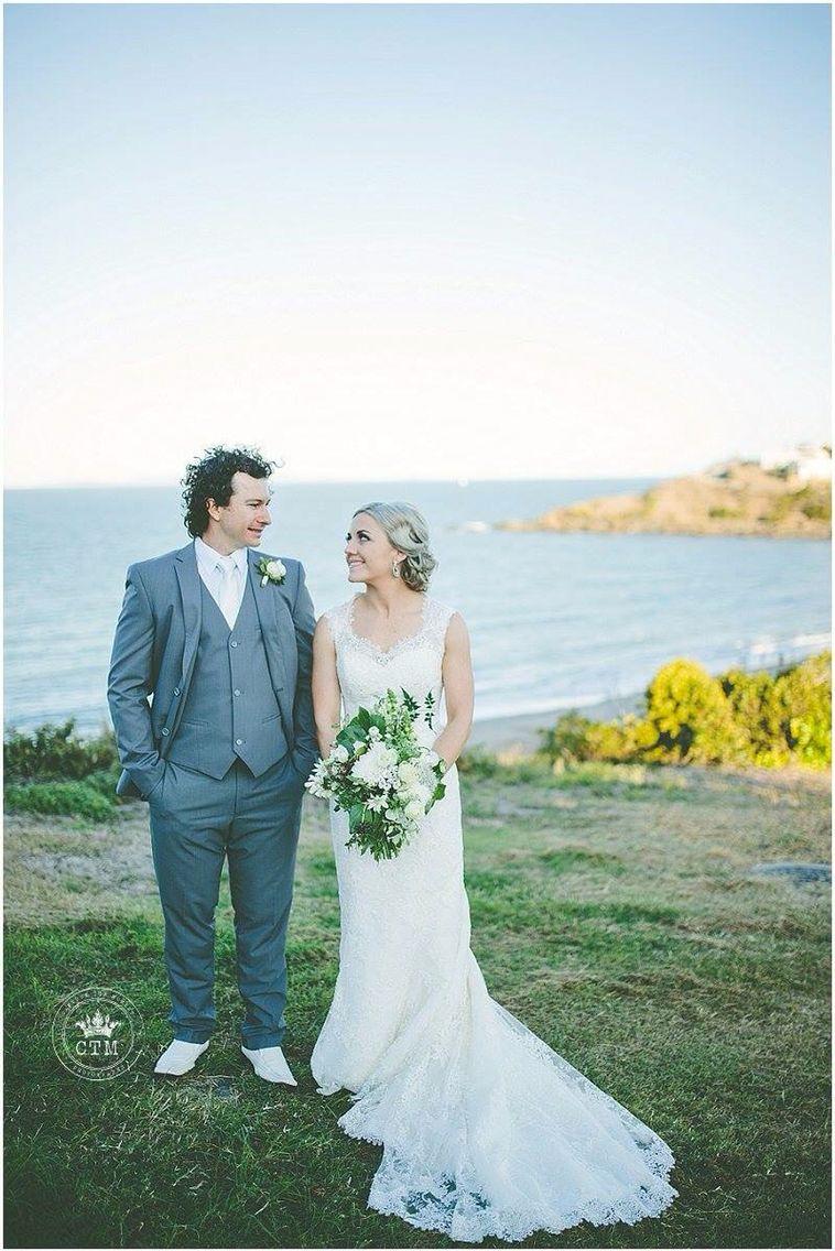 Villa On The Beach Wedding Cooee Bay Yeppoon Qld Australia Www Capture T Moment