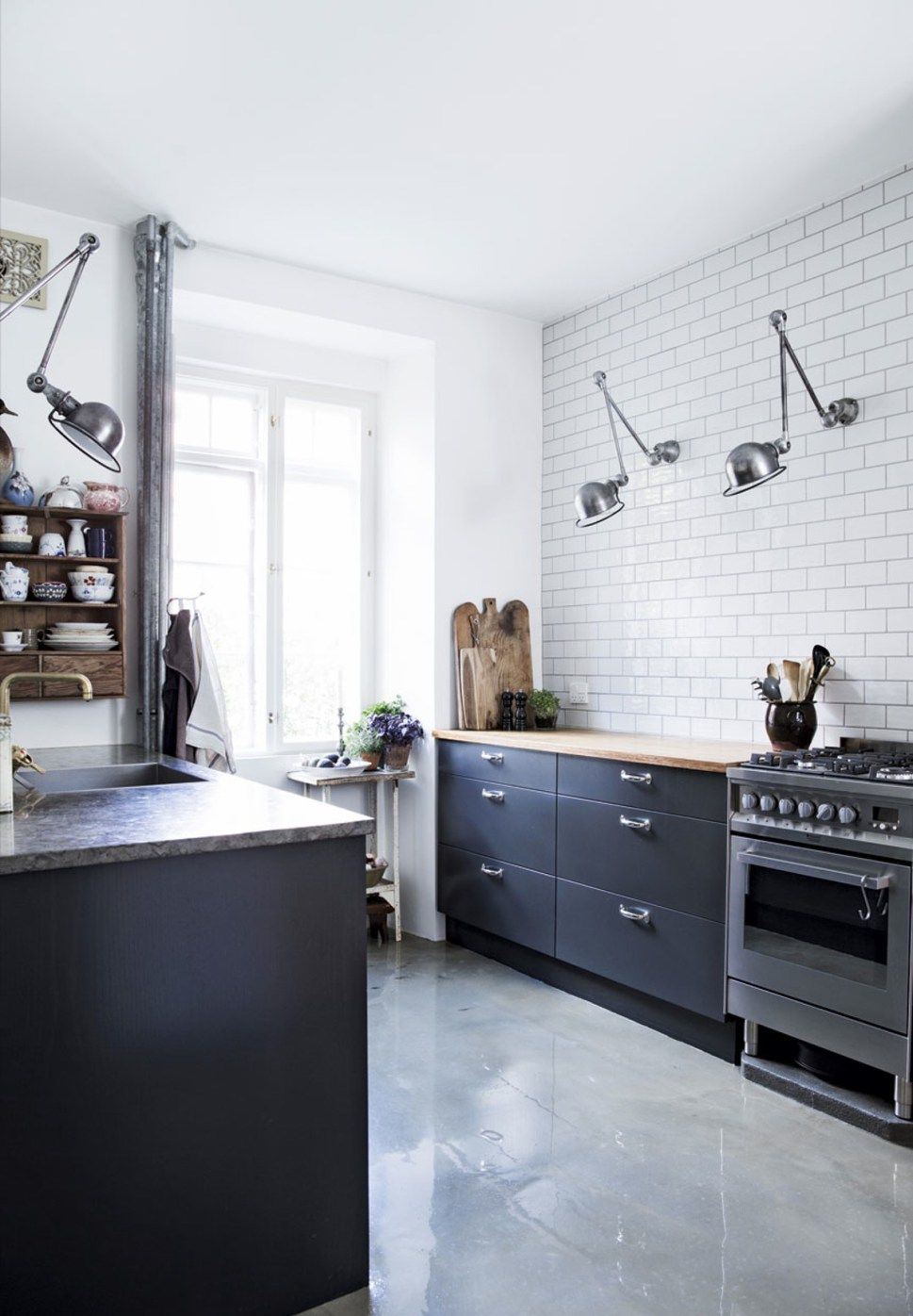 10 cuisines au look industriel | Kitchens, Kitchen styling and Interiors