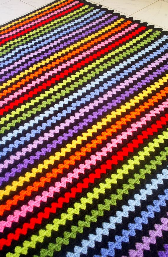 The rainbow granny stripe blanket | Mantas | Pinterest | Arco iris ...