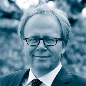 Regeringen burde indføre et politiker-lønloft' i stil med det 'kontanthjælps-loft', som Venstre ønsker, foreslår David Trads ovenpå debatten om forsvarsministerens dobbeltløn.