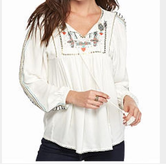 Vintage America Mirella top never worn!! Size Small for sale. If someone has this top in a M or L I will buy it!! The small is just way small for me. Ordered online just hoping and crossing my fingers that it would fit. Absolutely in love with it. Tops