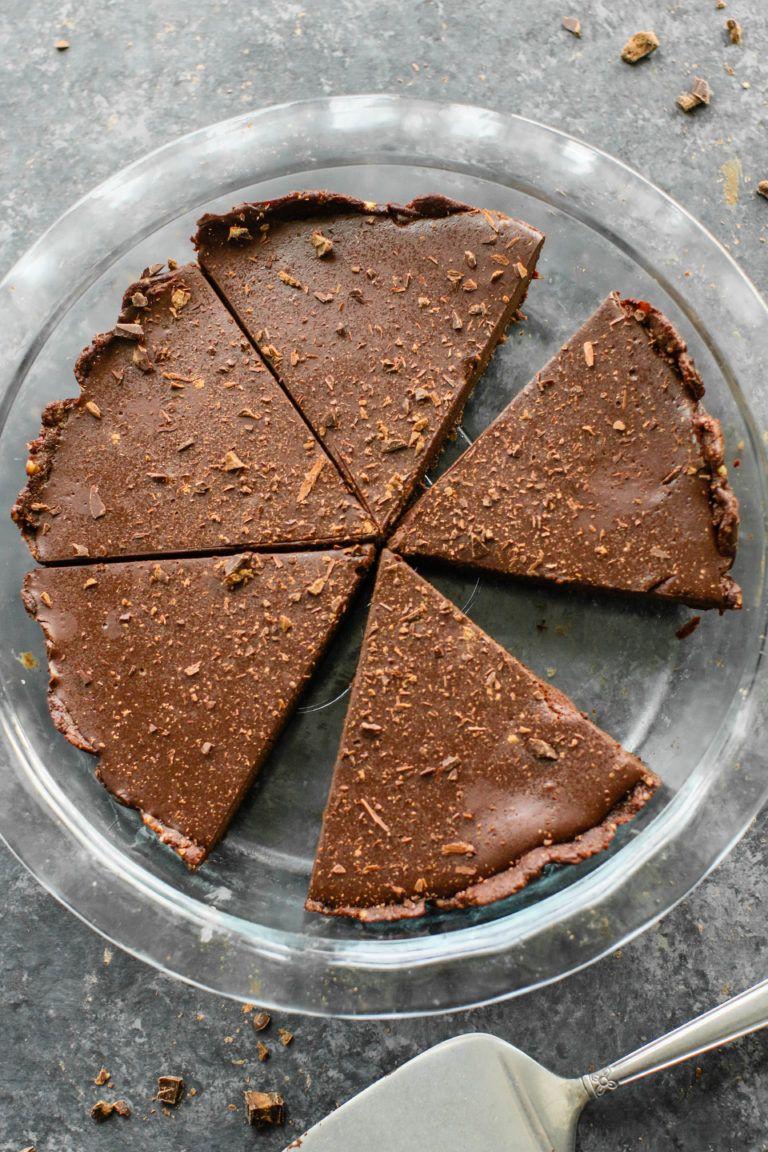 6 Ingredient Vegan Gluten Free Chocolate Pie By Flora Vino Gluten Free Chocolate Pie Gluten Free Chocolate Yummy Food Dessert