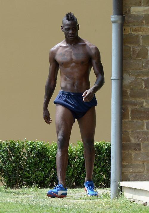 italian-football-player-nude