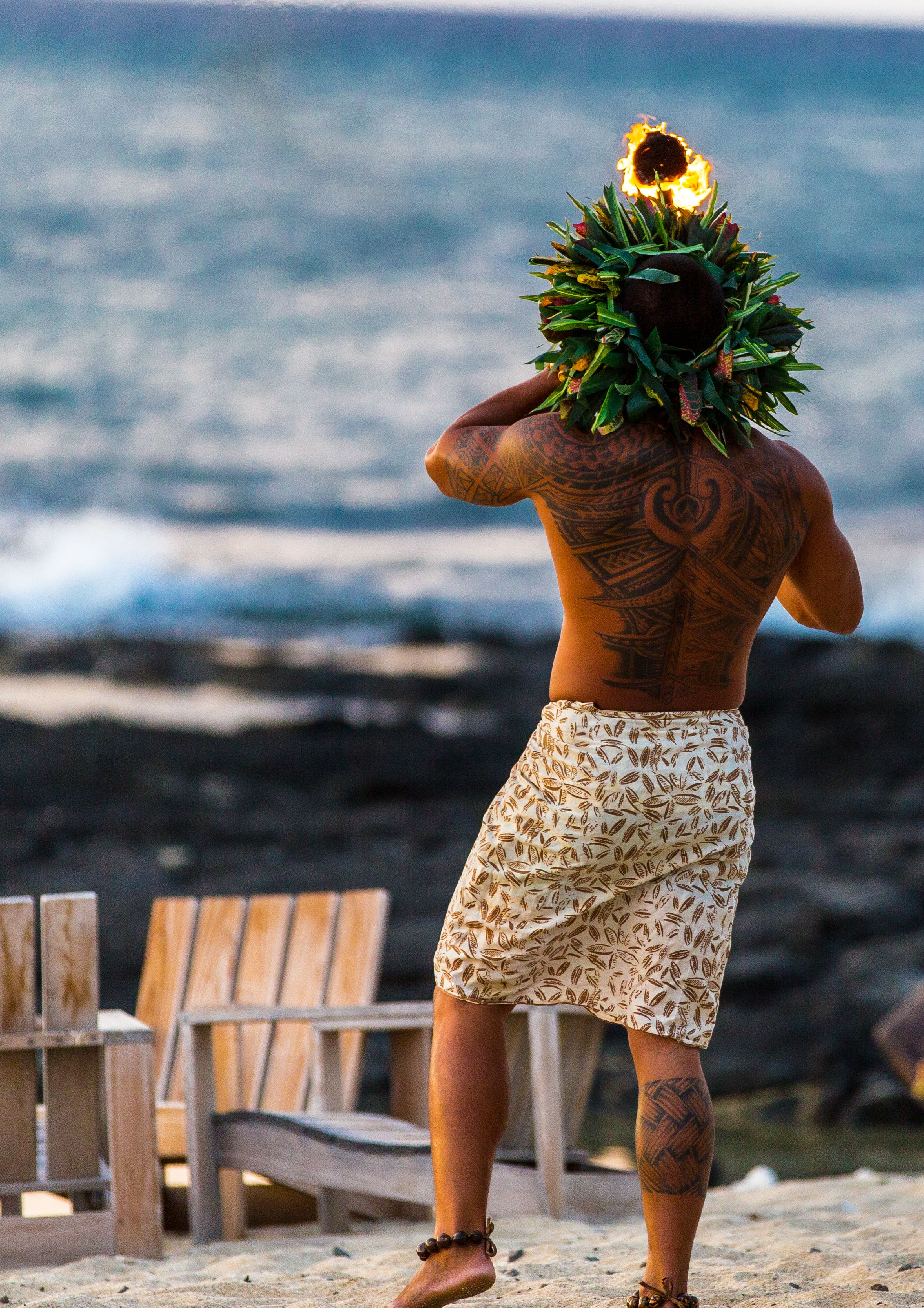 The nightly tradition continues! Say goodbye to another day and welcome the evening with the lighting of the torches and the blowing of the Pū (conch).