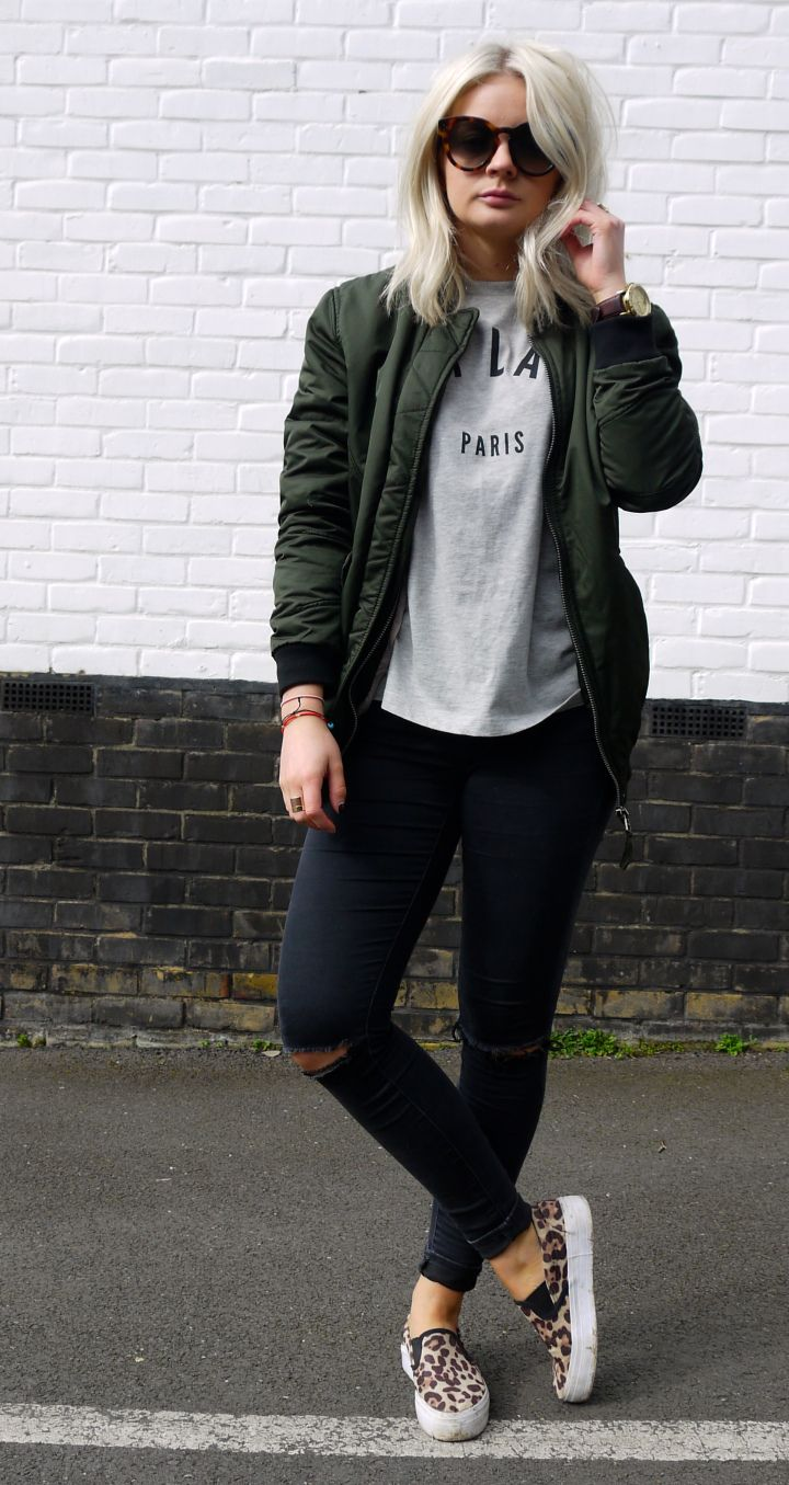 cest la vie, tea and cake, khaki bomber jacket, asos bomber jacket, celine sunglasses, ash blonde hair Más