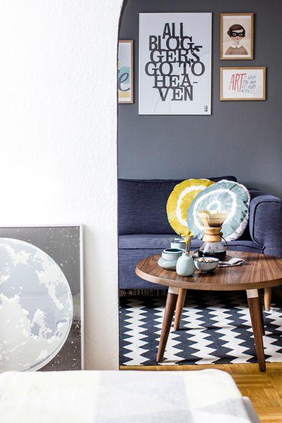 Ewiger Sommer in der Wohnung mit Blau und Gelb | Wohnzimmer ...
