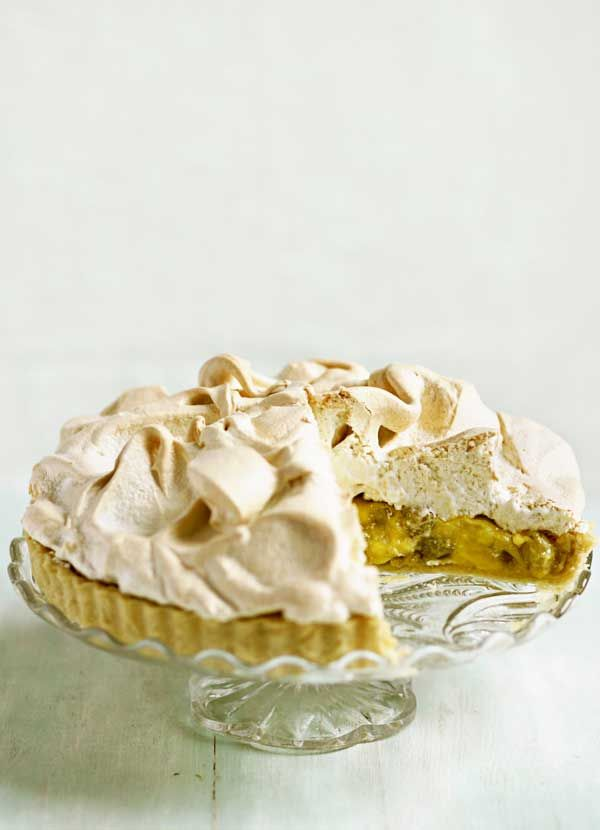 This gooseberry and elderflower meringue pie is a wonderful twist on lemon meringue pie and is a great dessert to make when gooseberries are in season. The bought shortcrust pastry makes the recipe much more straightforward too.