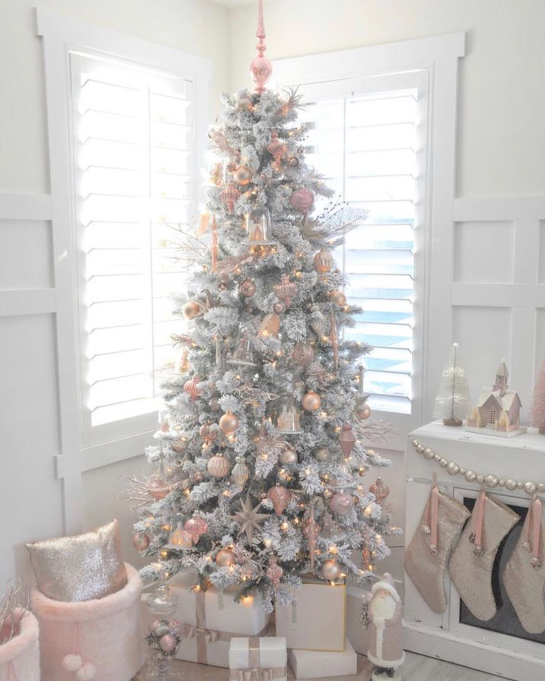 "ChristmasLove365 on Instagram: ""Lovely! @poutedmagazine  #christmasdecor #xmasdecor #christmastree #xmastree #christmashome #christmashomedecor #pastelchristmastree…"""