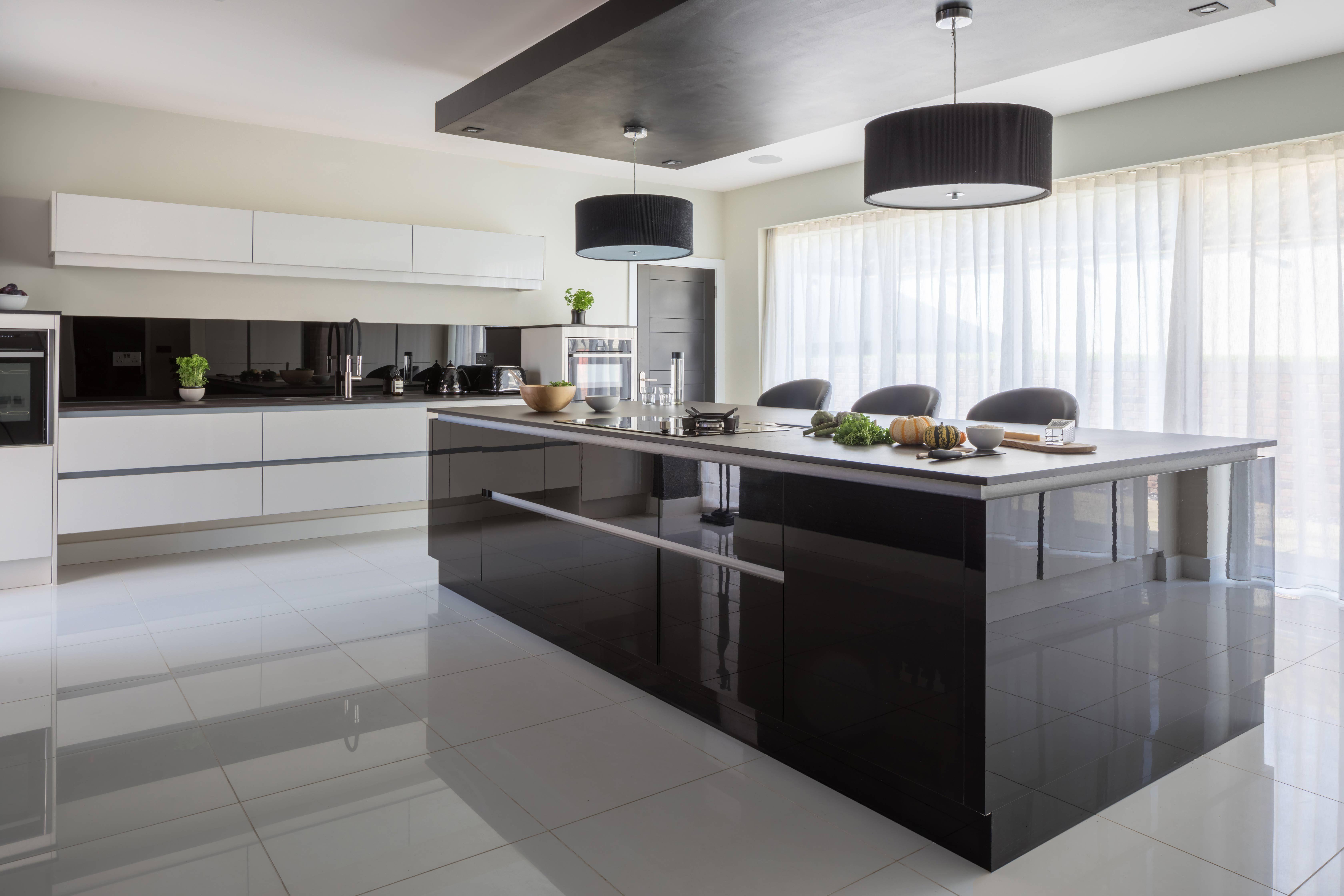 This Is Modern Sleek Kitchen Design The Mixture Of White Black And Dark Grey In A Gloss Finish Adds Sleek Kitchen Design Modern Kitchen Design Sleek Kitchen