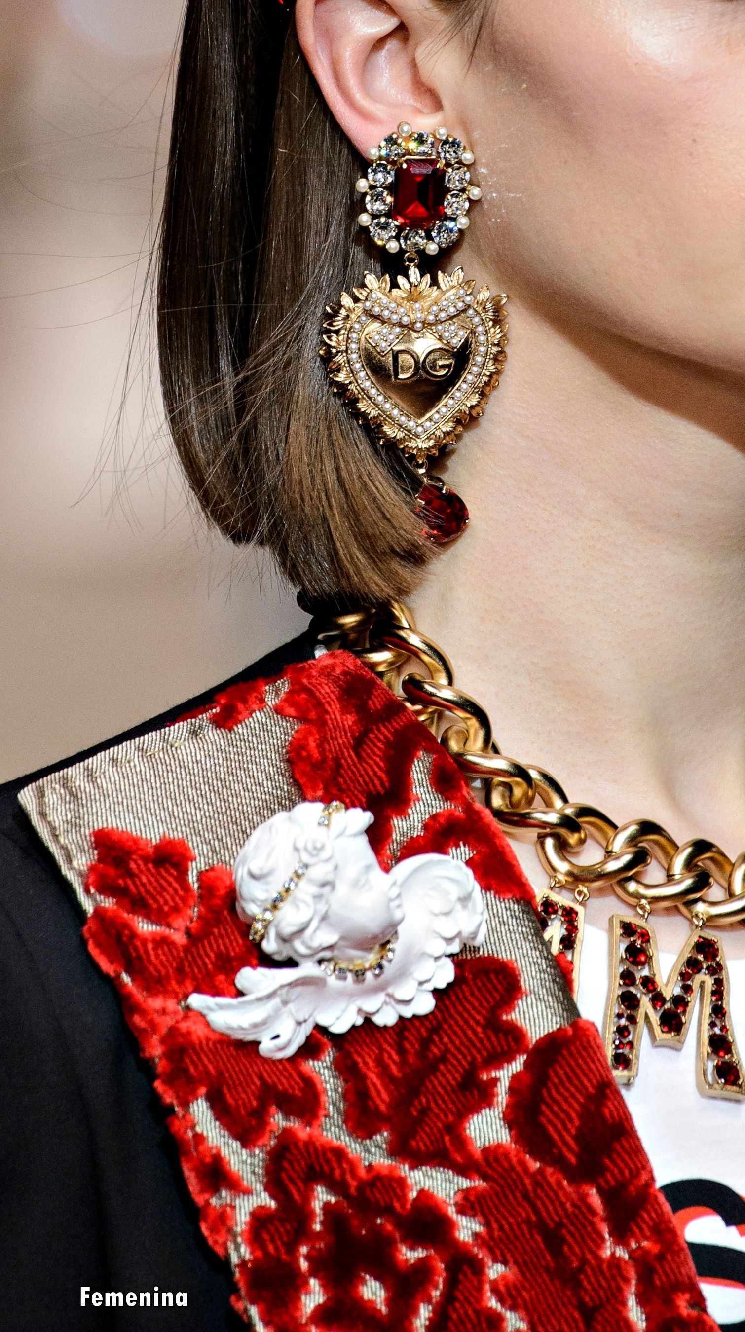 Dolce   Gabbana Fall Winter 2018 - Details -Accessories   Dolce ... ec1260293fe8