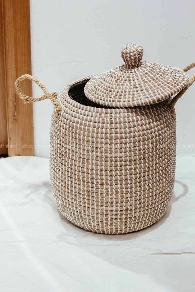 White Seagrass Basket With Lid Handle Natural Weave Basket Etsy