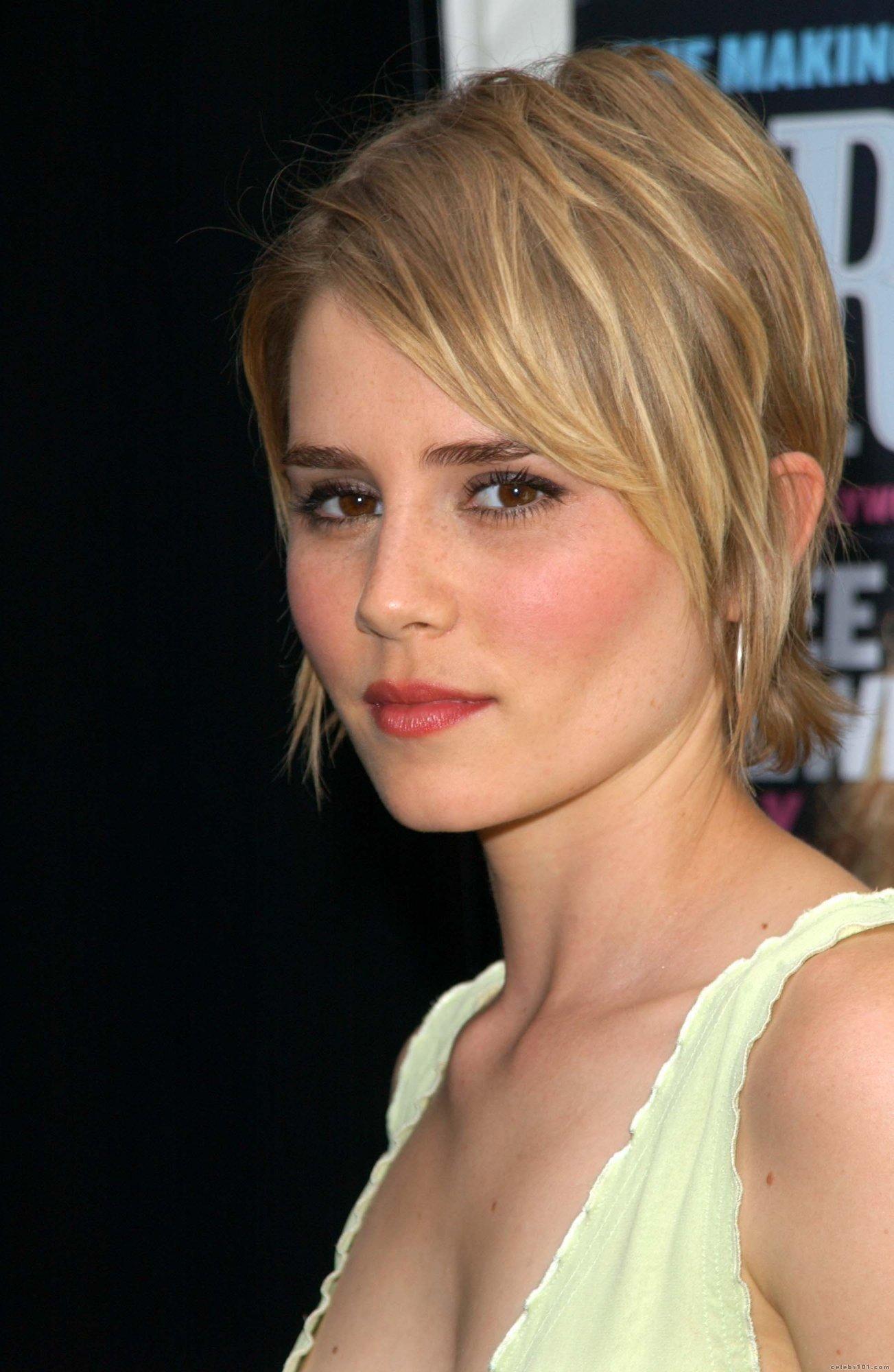Another Cute Short Cut Style Pinterest Short Hair Styles