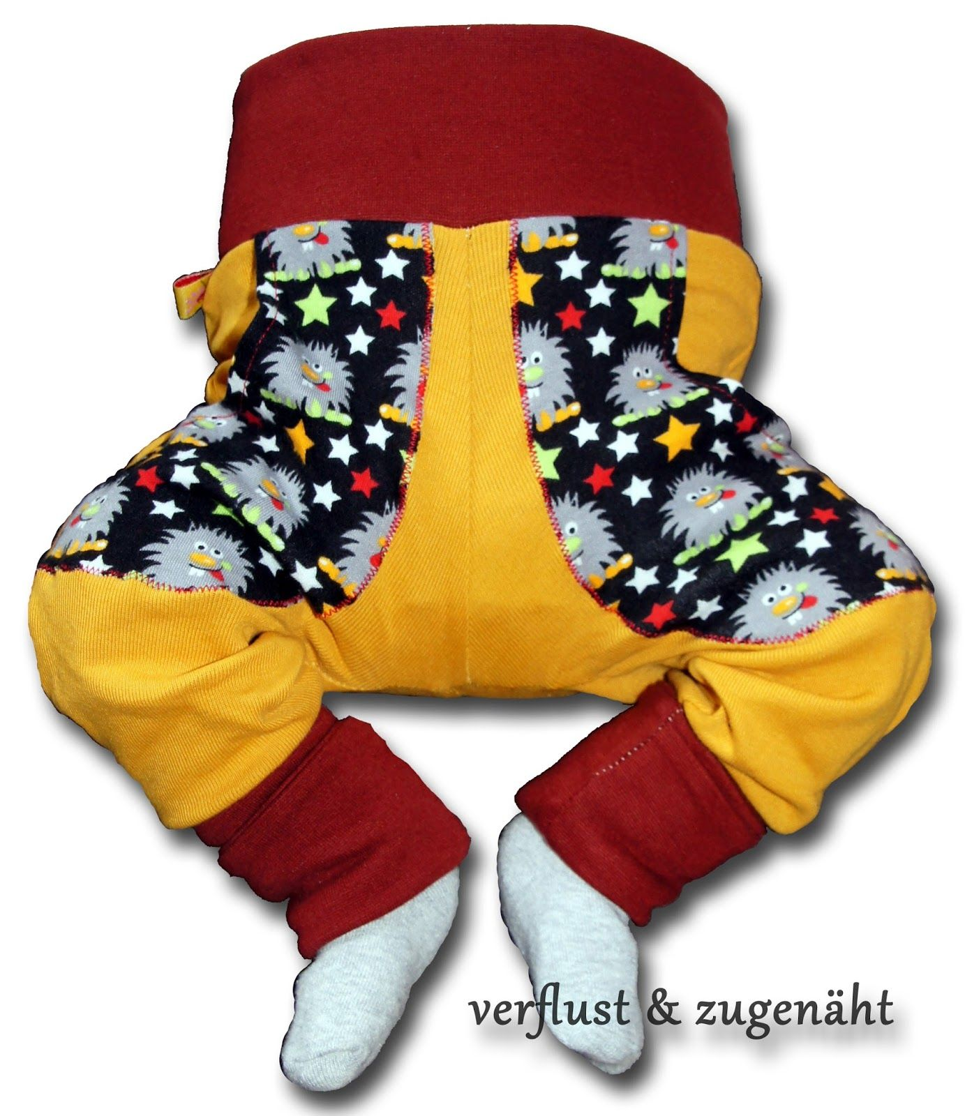 Kinderhose aus T-Shirt und Stoffresten / Children's pants made from old shirt and scraps of fabric / Upcycling
