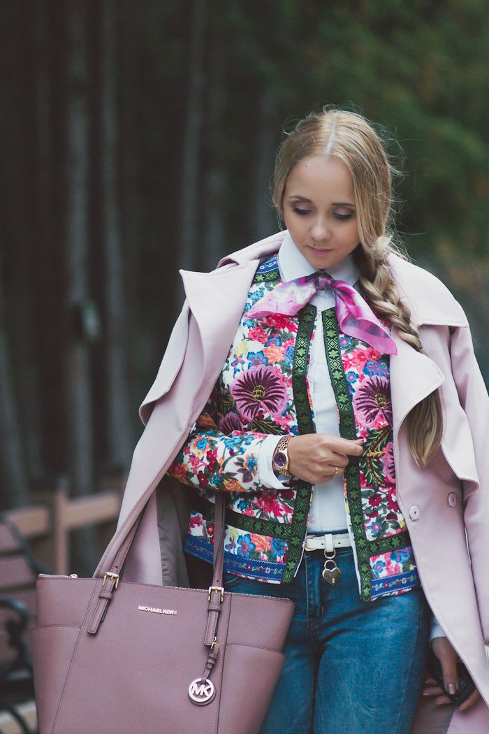 Olga Choi fashion blogger South Korea myblondegal elegant smart chic Chicwish pink trench coat Yoins jeans Oasap embroidered blazer Michael Kors jet set bag Michael Kors watch-08648