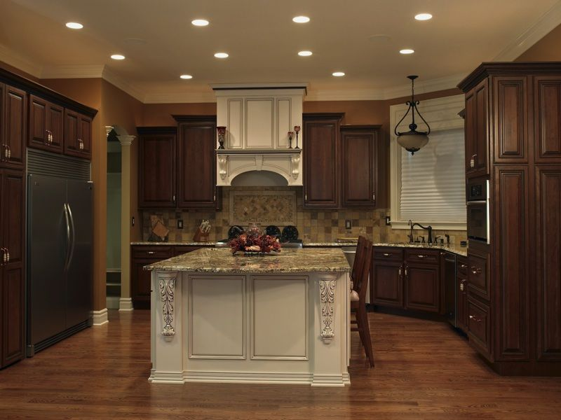 Best 25 two tone kitchen ideas on pinterest two tone for Kitchen cabinets 2 tone