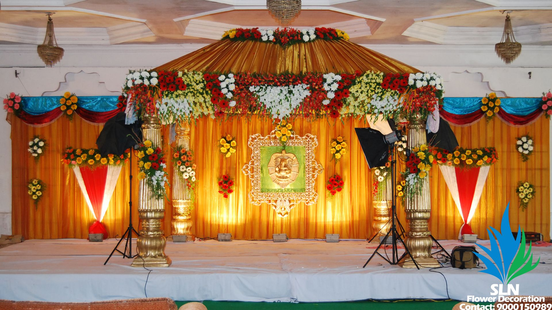 Mandaps 3 (With images) | Flower decorations, Indian ...