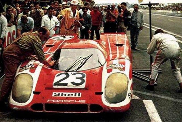 Hans Herrmann Richard Attwood 23 Porsche 917k Porsche Kg