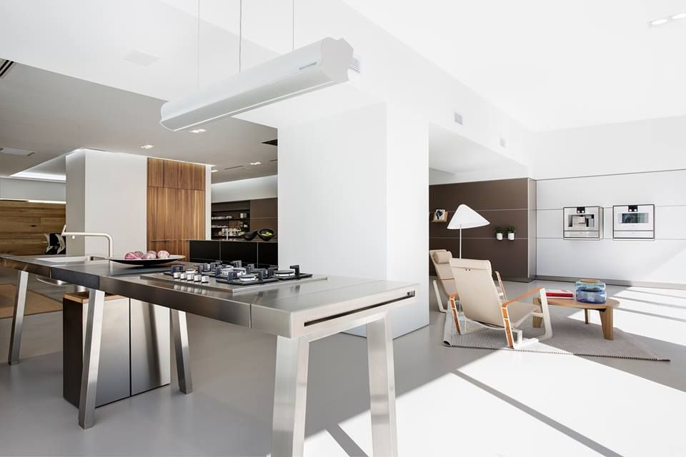 bulthaup b2 workbench and surrounding space at living kitchens bulthaup 39 s partner in cape town. Black Bedroom Furniture Sets. Home Design Ideas