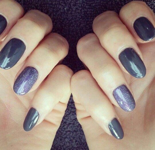 #cndshellac on #naturalnails in #asphalt with #accent #nail #layered with #dazzl... -  #cndshellac on #naturalnails in #asphalt with #accent #nail #layered with #dazzlingdance #grey #darkgrey #irridescent #glittery #purple #pink #ringfinger #multitonal #autumn #notd #nailsoftheday #nailart #nailfashion #nailstyle #naildesign #nailtrends #freelance #nailtech #southport #uk #nailsbysian