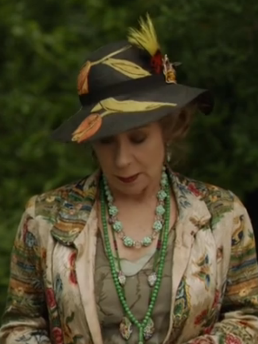 50 Best Mystery Writers: Just Skirts And Dresses: 50+ Fashion In Agatha Christie's