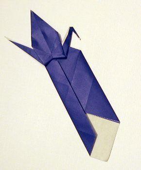 Photo of Kostenlose Anleitung zum Erstellen eines Origami-Lesezeichens basierend auf dem traditionellen Kran.
