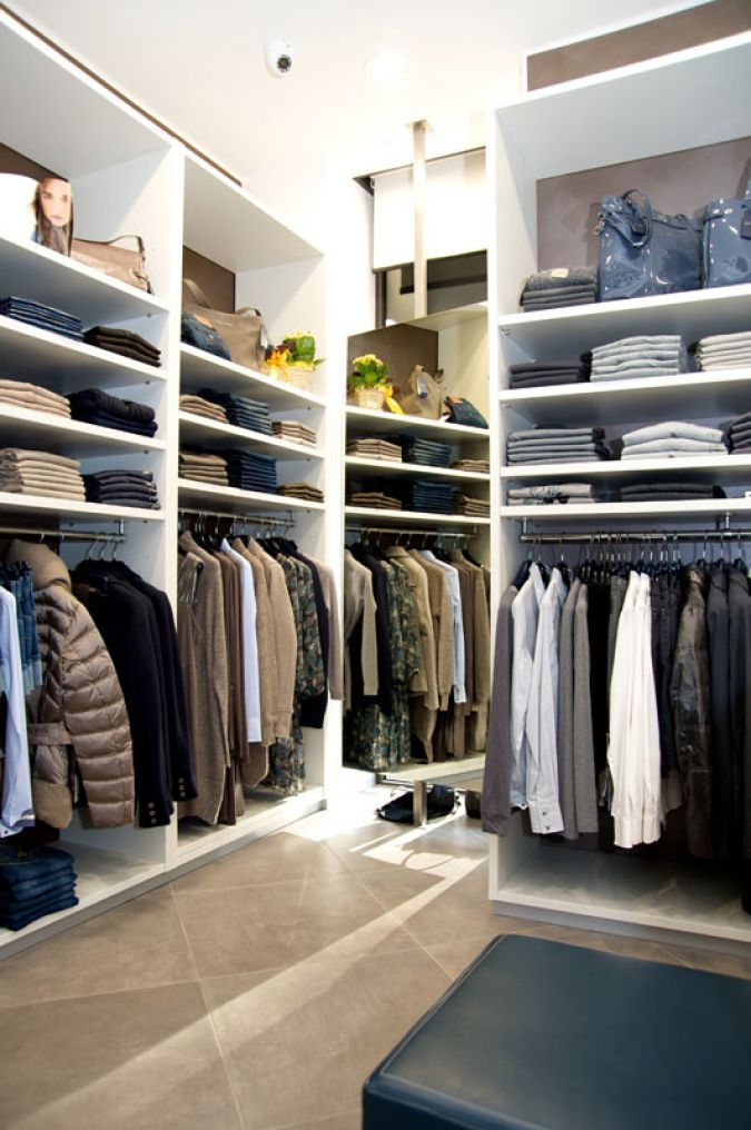 6e074db5bb arredamento negozio abbigliamento - retail design, furniture ...