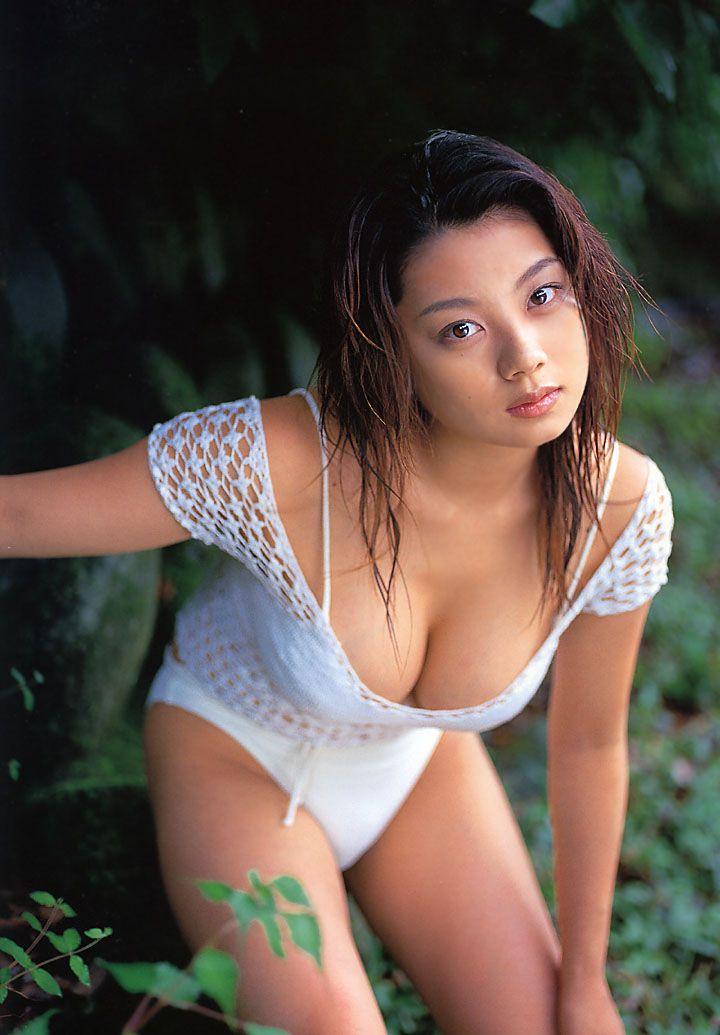 小池栄子さんのインナー姿