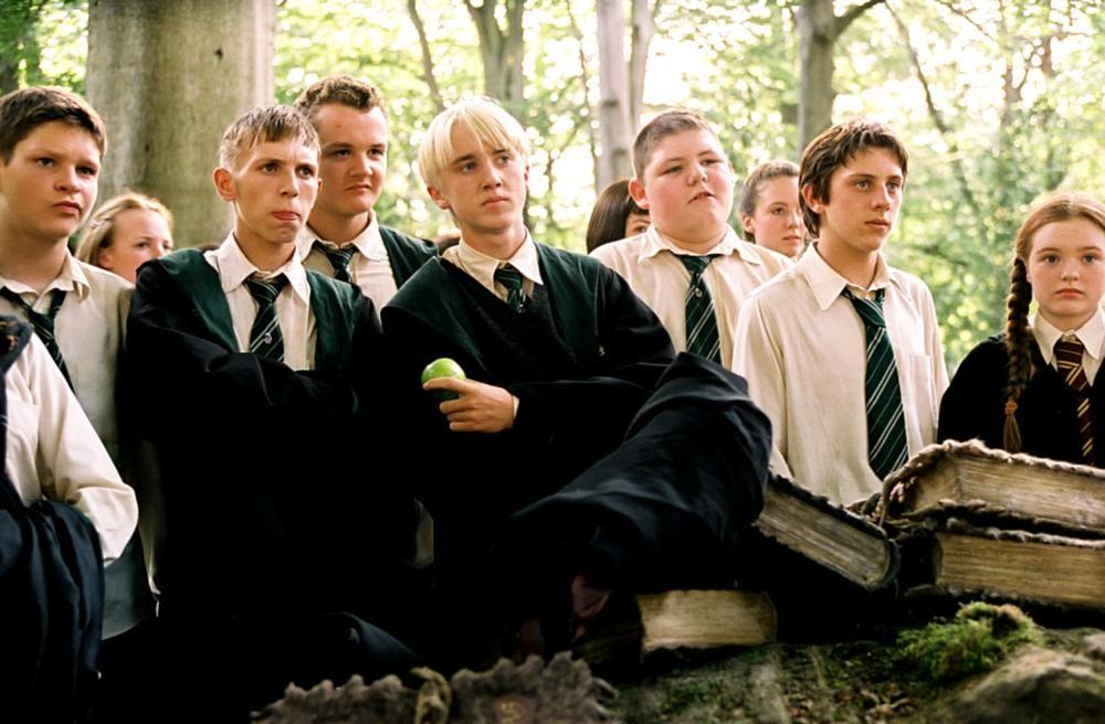 Harry Potter And The Prisoner Of Azkaban Joshua Herdman Third From Left Tom Felton Center Holding Apple Harry Potter Draco Malfoy Draco Harry Potter Fan Последние твиты от harry potter film (@harrypotterfilm). harry potter draco malfoy draco harry