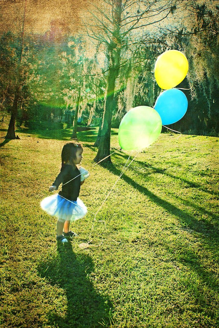 Balloon + Tulle skirt = Happiness