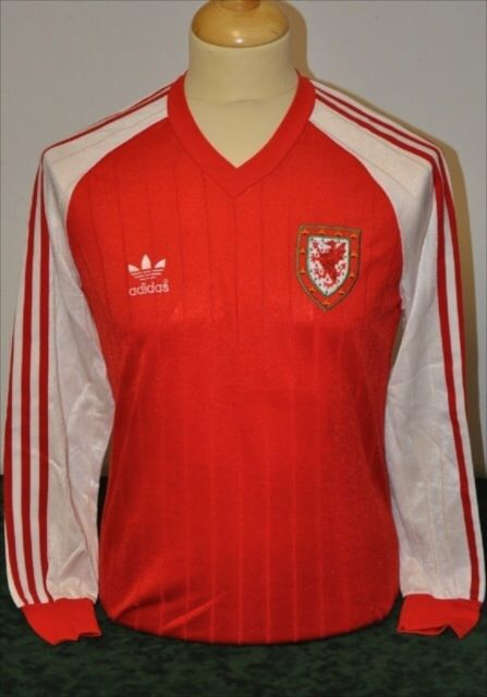 Kevin Ratcliffe Adidas Home 1983