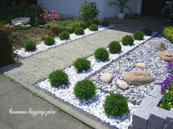 30 ideas preciosas para decorar tu jard n con grava blanca for Precio de piedras para jardin