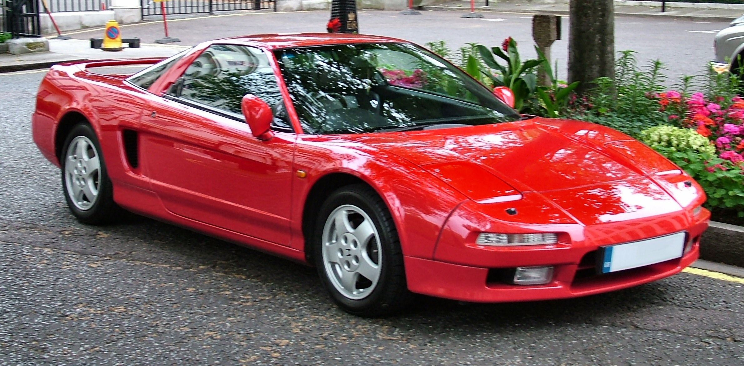 Honda nsx is a activities car from the japanese people automatic large that was sold in the international marketplaces from