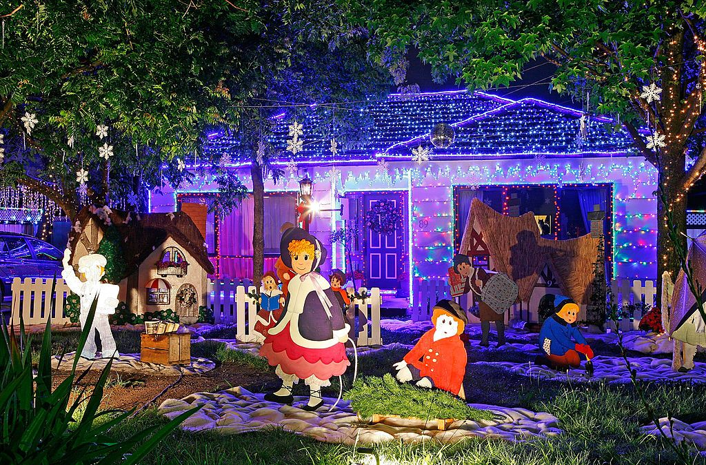 The Most Extravagant Christmas House Light Decorations Christmas House Lights Outdoor Christmas Holiday Lights Display