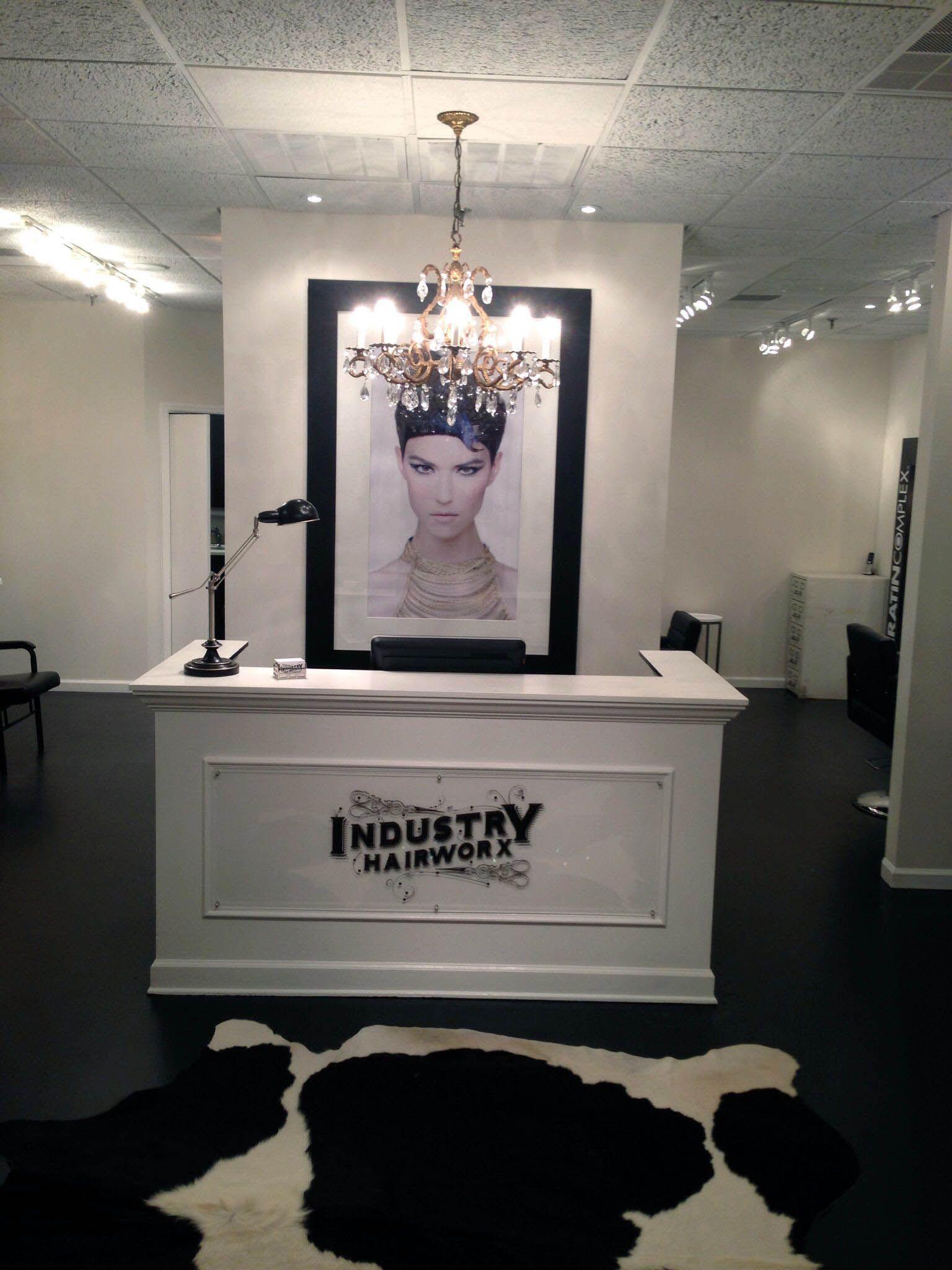 Graceful q significa front desk that look beautiful  Salon