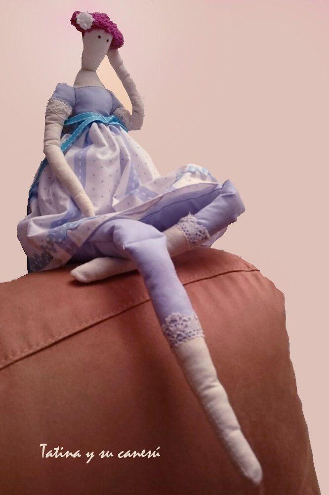 Tatina y su canesú- Tatina azul