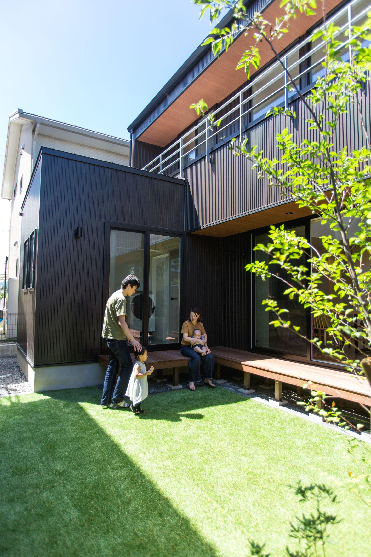 人目を気にせず青空を楽しむ中庭 ルポハウス 設計事務所 工務店