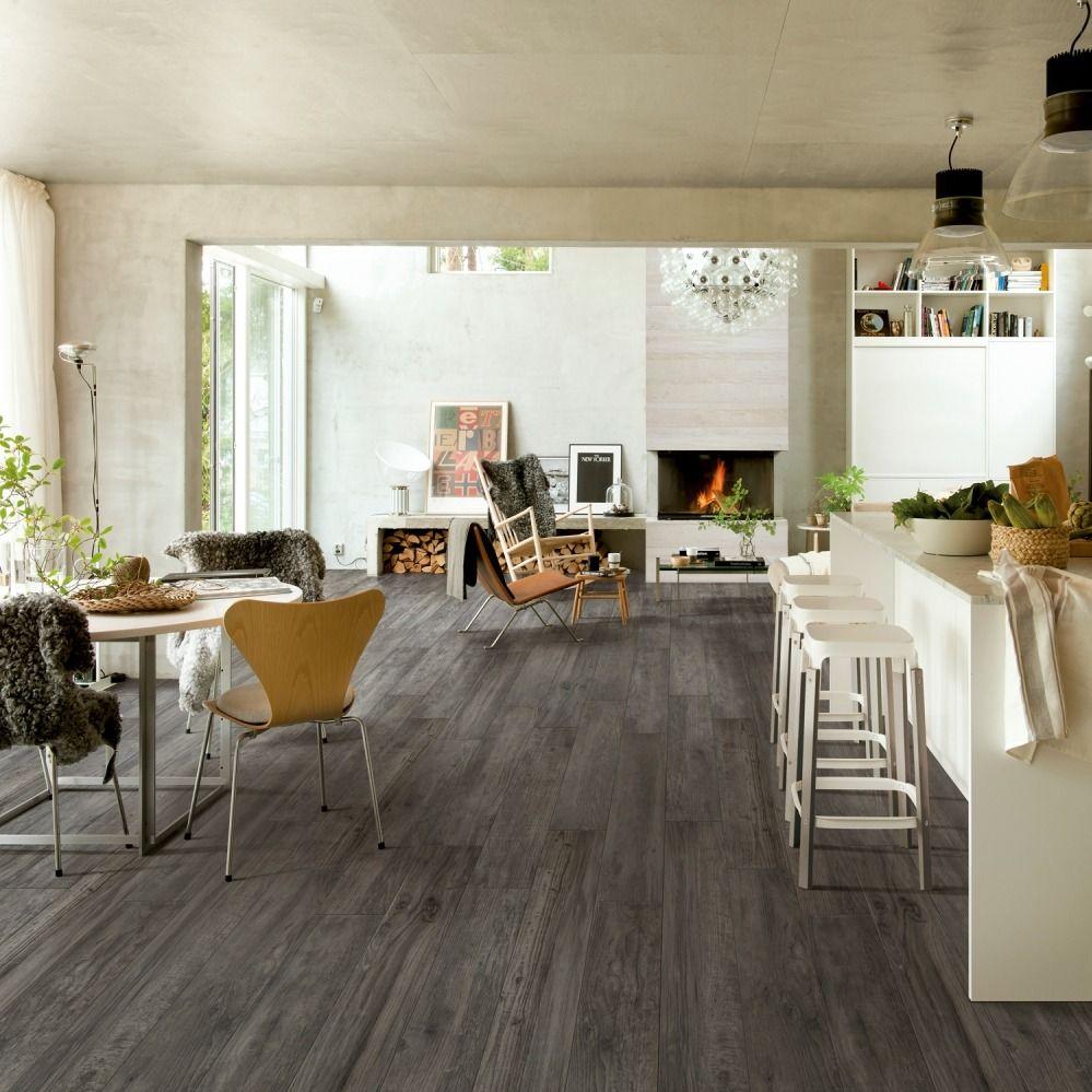 Carrelage Imitation Parquet Grise Pour Grande Piece De Vie Cocooning Deco Salle A Manger Decoration Maison Carrelage