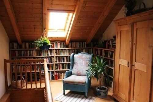 14 Charming Attic Libraries And Reading Rooms | BOOKGLOW